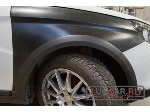 Пластиковое переднее крыло Lada Vesta Cross. Неокрашенное.